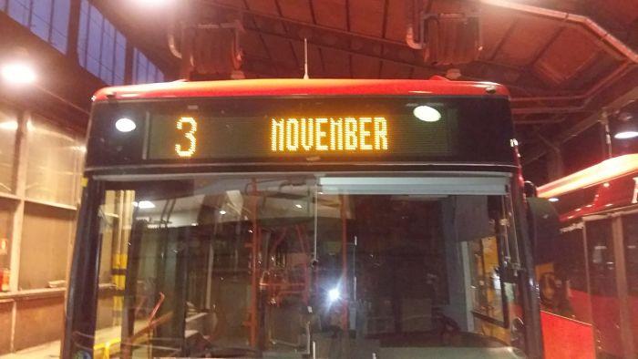 Autobuses urbanos con el movimiento Movember_opt