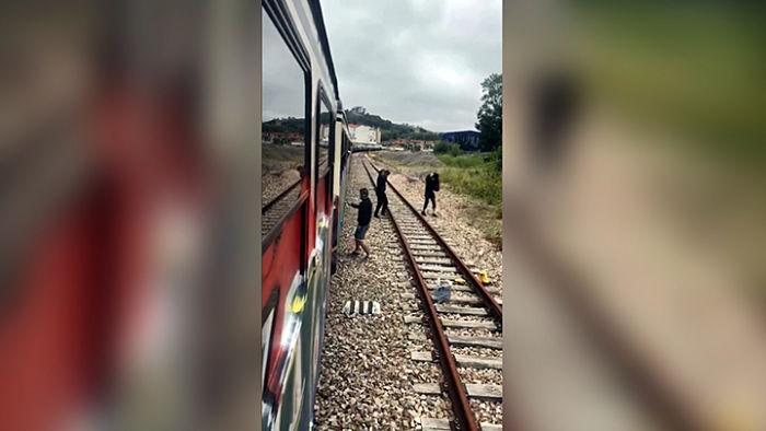 Guardia Civil_graffitis en trenes_opt