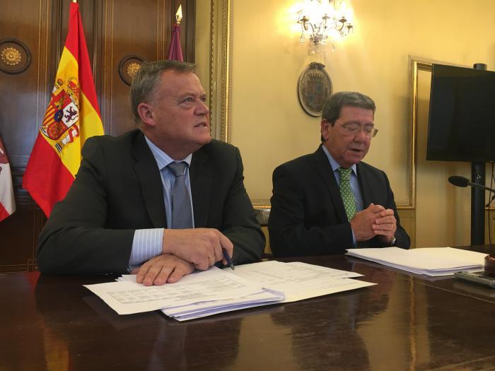 Lorenzo Rodríguez, vicepresidente de la Diputación de Burgos, y César Rico, presidente de la Diputación de Burgos