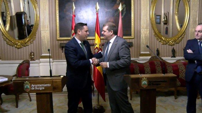 Firma Cesion Traslado Correos Convenio Ayuntamiento Burgos Daniel de la Rosa (Diciembre 2019)