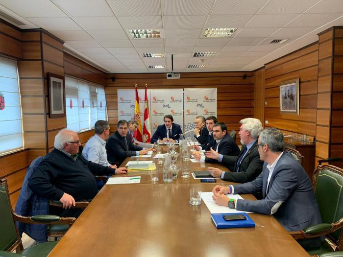 Reunión de Las Merindades con el consejero de Fomento, Juan Carlos Suárez-Quiñones.