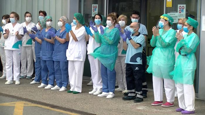 Aplauso sanitarios HUBU_opt