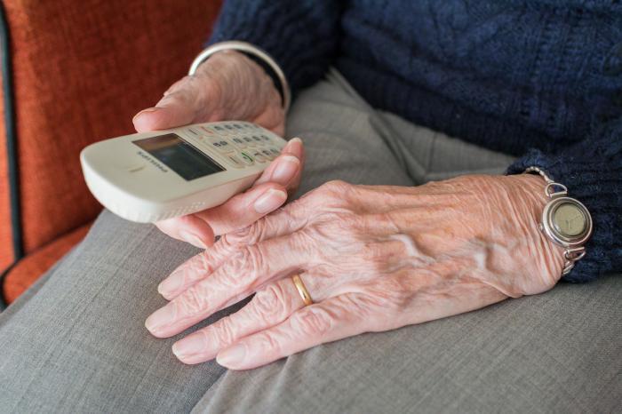 Asistente personal para personas mayores de Tucuvi
