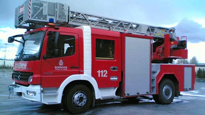 Camión-Bomberos_asistencia-incendio