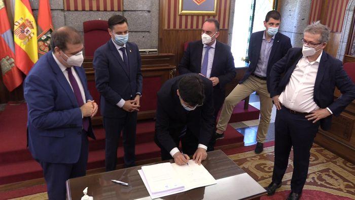 Firma Acuerdo Convenio Ayuntamiento Burgos Correos Oficina San Pedro y San Felices (Junio 2020)