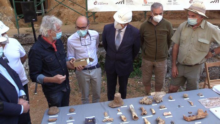 Rueda Prensa Excavaciones Atapuerca Fosiles Javier Ortega Juan Luis Arsuaga José María Bermúdez de Castro y Eudald Carbonell (Julio 2020)