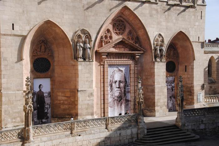 Proyecto de las puertas de Antonio López para la Catedral de Burgos