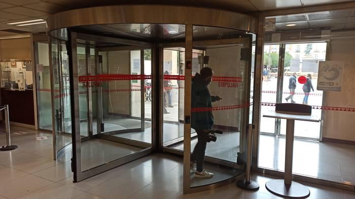 Puerta Giratoria Ayuntamiento Entrada (Octubre 2020)