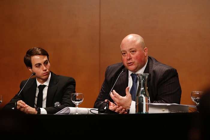 Franco y Antonio Caselli en una Junta de accionistas. Foto: Burgos CF