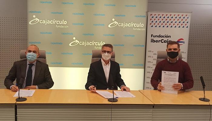 Firma Convenio 2021 Cajacírculo e Ibercaja y Fundación Oxígeno
