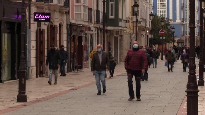 Gente Andando Mascarillas (Noviembre 2020)