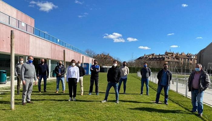 Representantes de los Centros Deportivos de Castilla y León tras la reunión