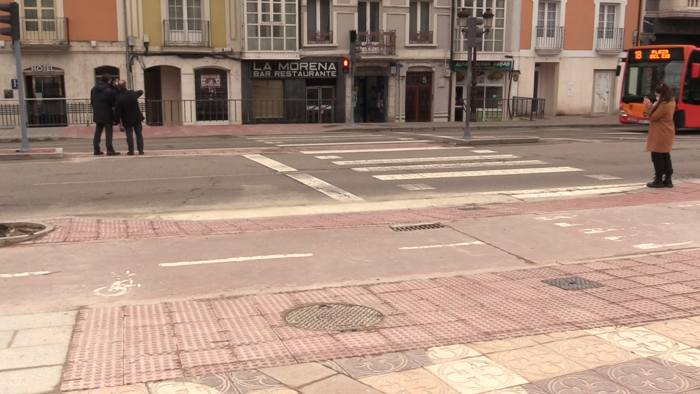 Obras Ensanche Paso Peatones Frente Arco Santa Maria Plaza Vega (Marzo 2021)