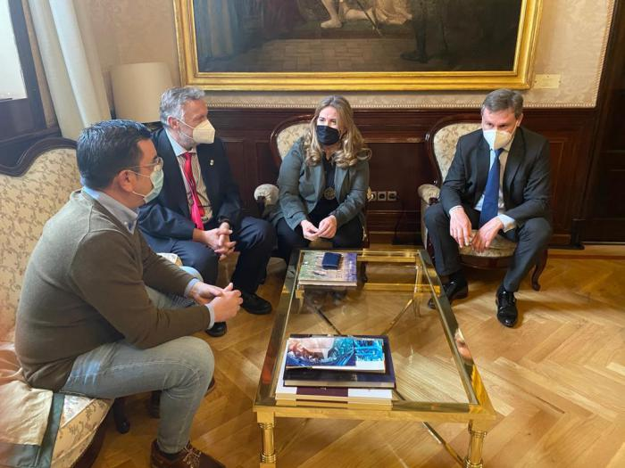 Senadores del PP Cristina Ayala y Javier Lacalle