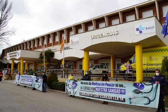 Manifestación en Villarcayo contra la carencia de profesionales médicos