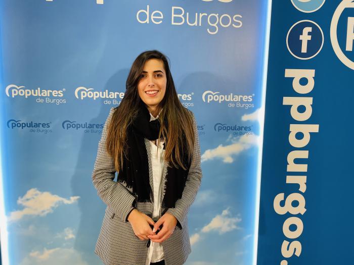 Andrea Ballesteros, concejal del PP, en rueda de prensa