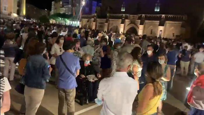 Plaza del Rey San Fernando tras un acto del VIII Centenario