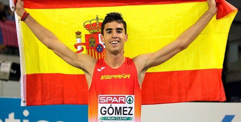 Gómez celebrando un triunfo. Foto: @atletismoRFEA