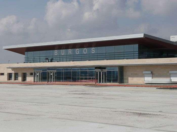 Aeropuerto exteriores_Burgos_opt