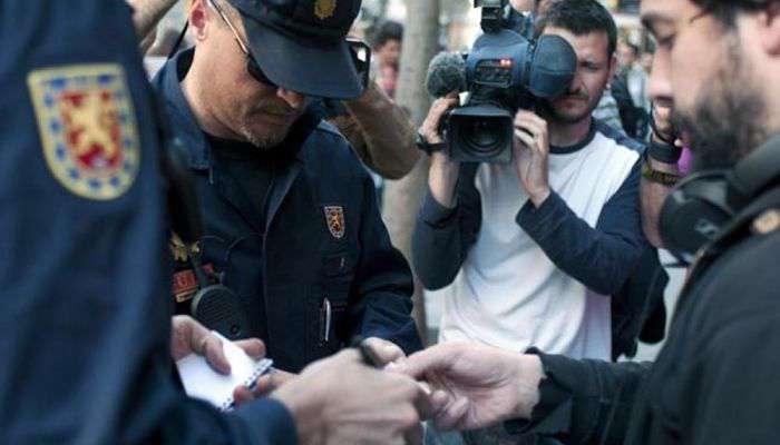 Brigada Móvil_identificación_documentos_Policía Nacional_opt