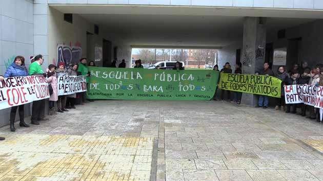 Concentración-colegio-Cilleruelo-de-Abajo-enero-2017