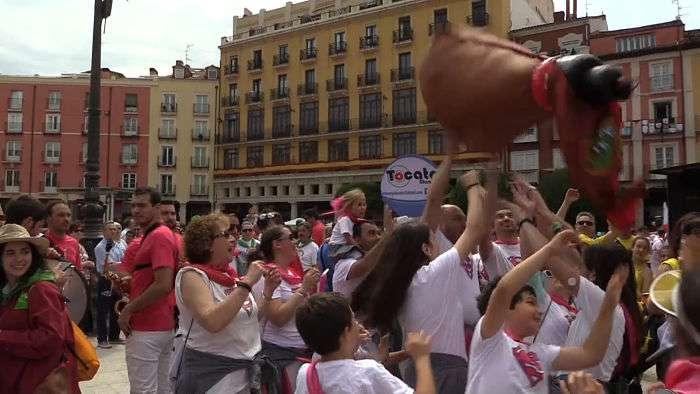 Lanzamiento de la bota_San Pedro y San Pablo_peñas_opt