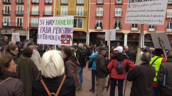 Concentración pensionistas en la Plaza Mayor de Burgos (Abril, 2018)