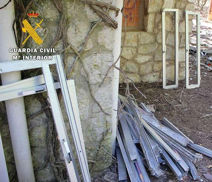 Ventanas y perfiles metálicos robados_Guardia Civil_opt