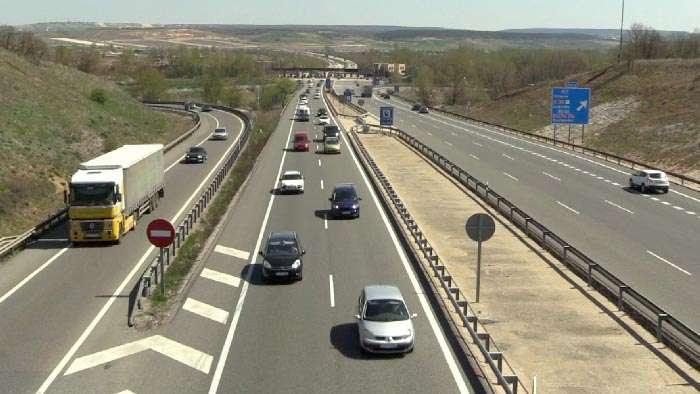 carretera-coches-tráfico-3