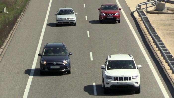 coches-carretera-tráfico-4