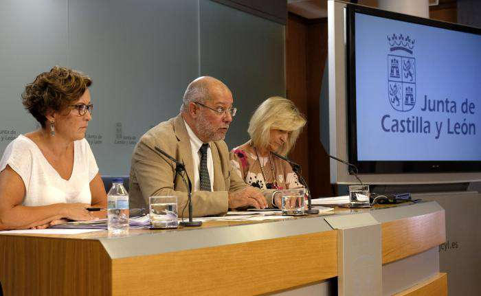 Consejo de Gobierno, Francisco Igea y Verónica Casado en el centro y derecha, respectivamente
