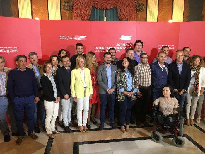 Luis Tudnaca, secretario general del PSOE, en la comisión interparlamentaria de los socialistas burgaleses